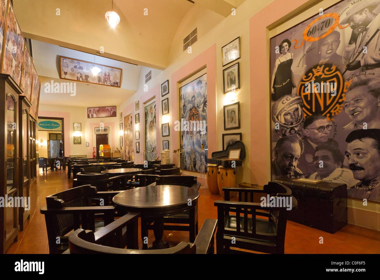 Hotel National Vedado, berühmten Bar zu den illustren Gästen Porträts, Kuba Stockbild