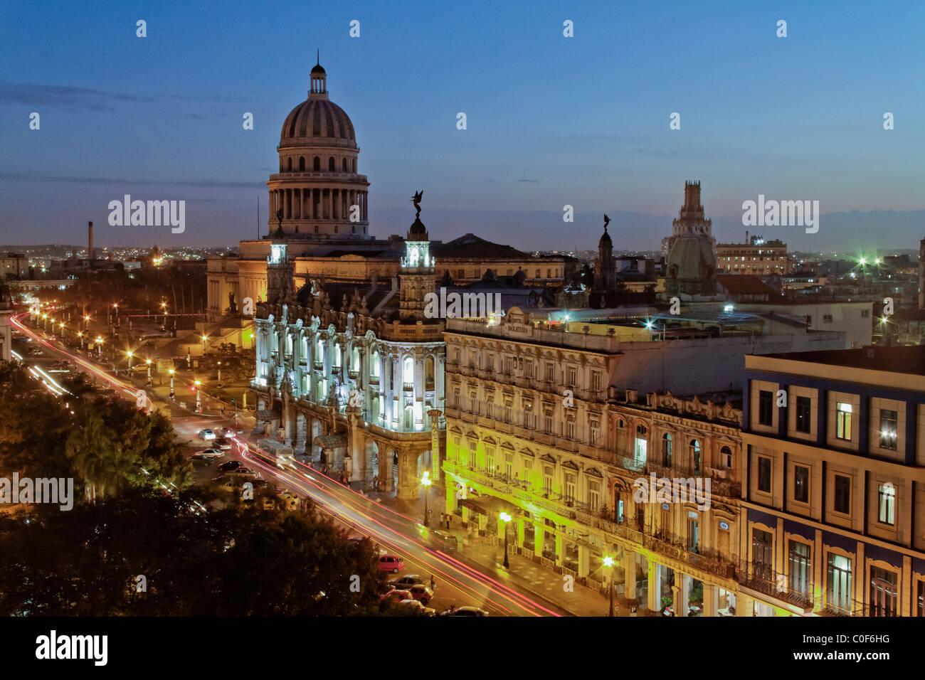 Blick über Havanna Zentrum mit Kapital bei Sonnenuntergang, Kuba Stockbild