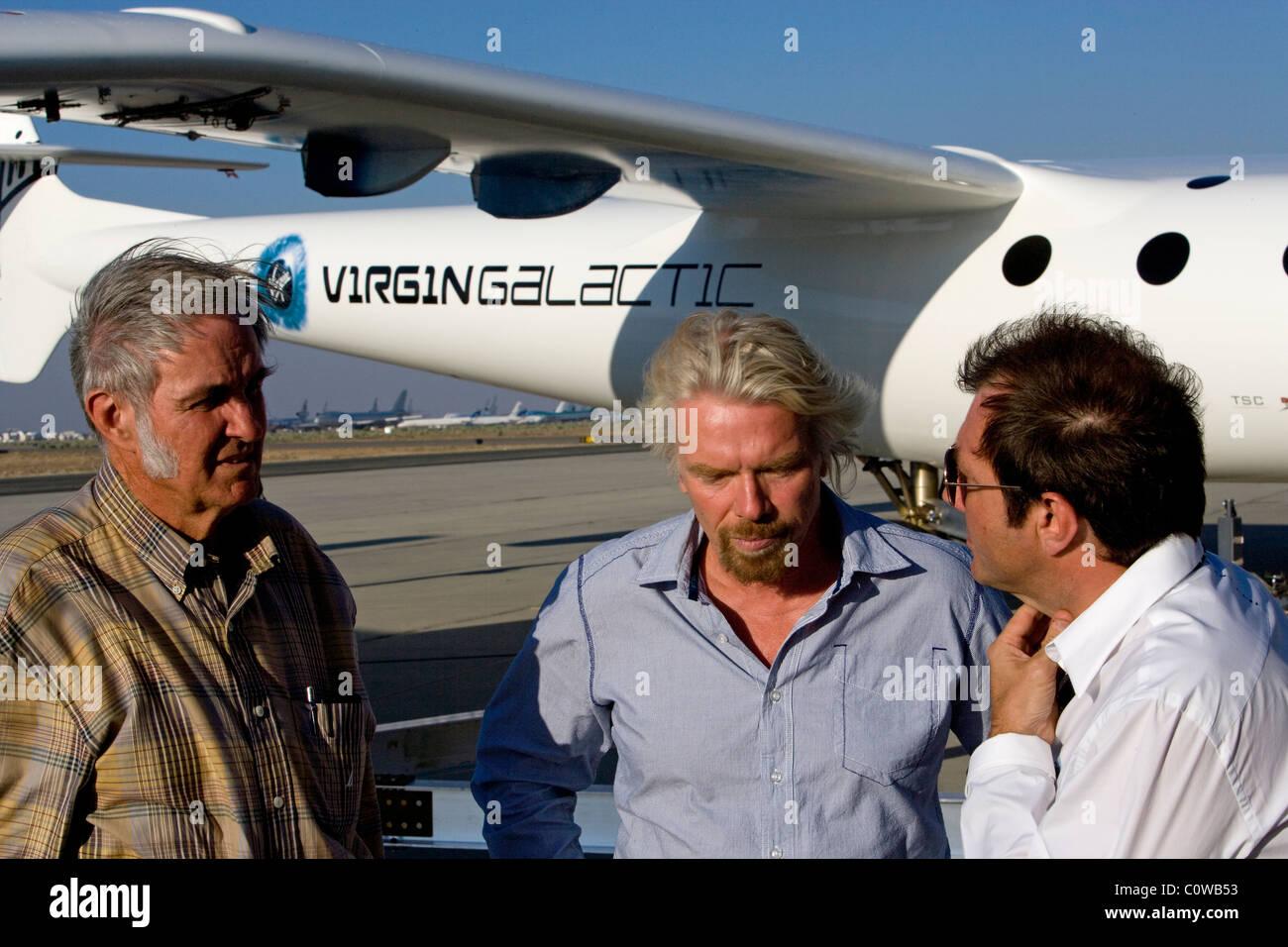 Sir Richard Branson Burt Rutan Virgin Galactic Raumschiff zwei Mojave Airport Stockbild
