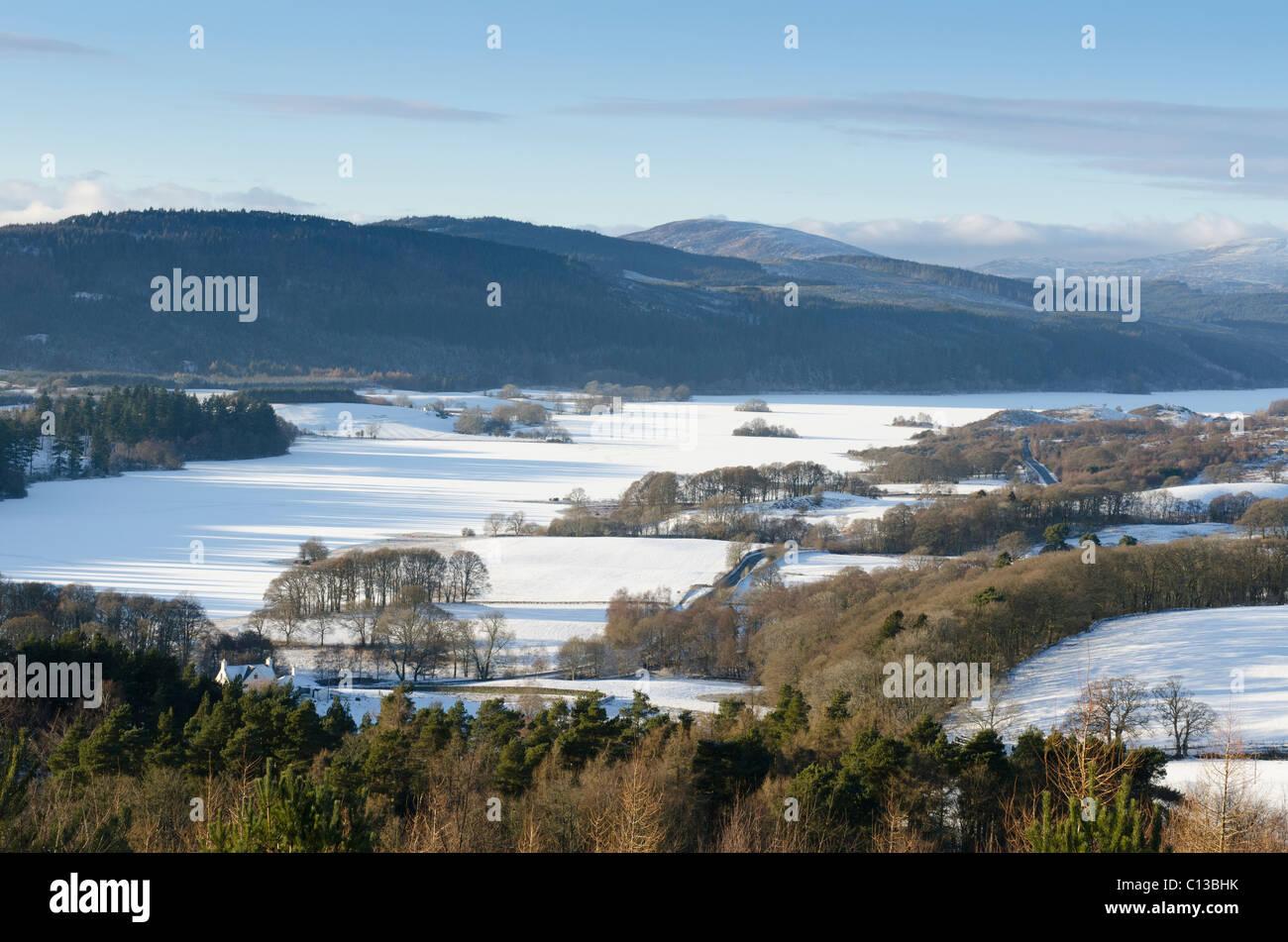 Loch-Ken, Galloway, mit kleinen Inseln zugefroren Blick nach Norden Stockbild