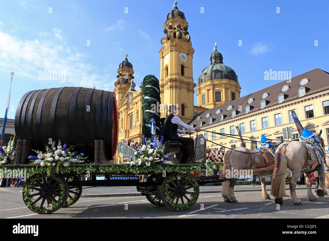 horse parade munich stockfotos horse parade munich bilder alamy. Black Bedroom Furniture Sets. Home Design Ideas