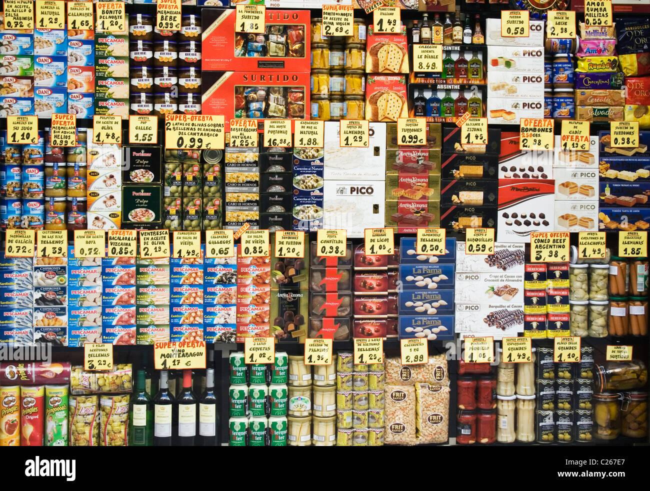 Barcelona, Spanien. Anzeige der spanischen Speisen und Getränken im Schaufenster. Stockbild