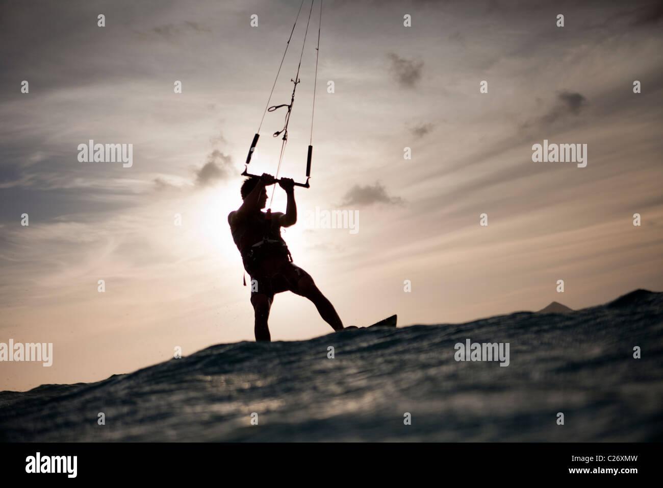 Kiteboarding Waimanalo @ Sunrise, Männlich, David Giardini Stockbild