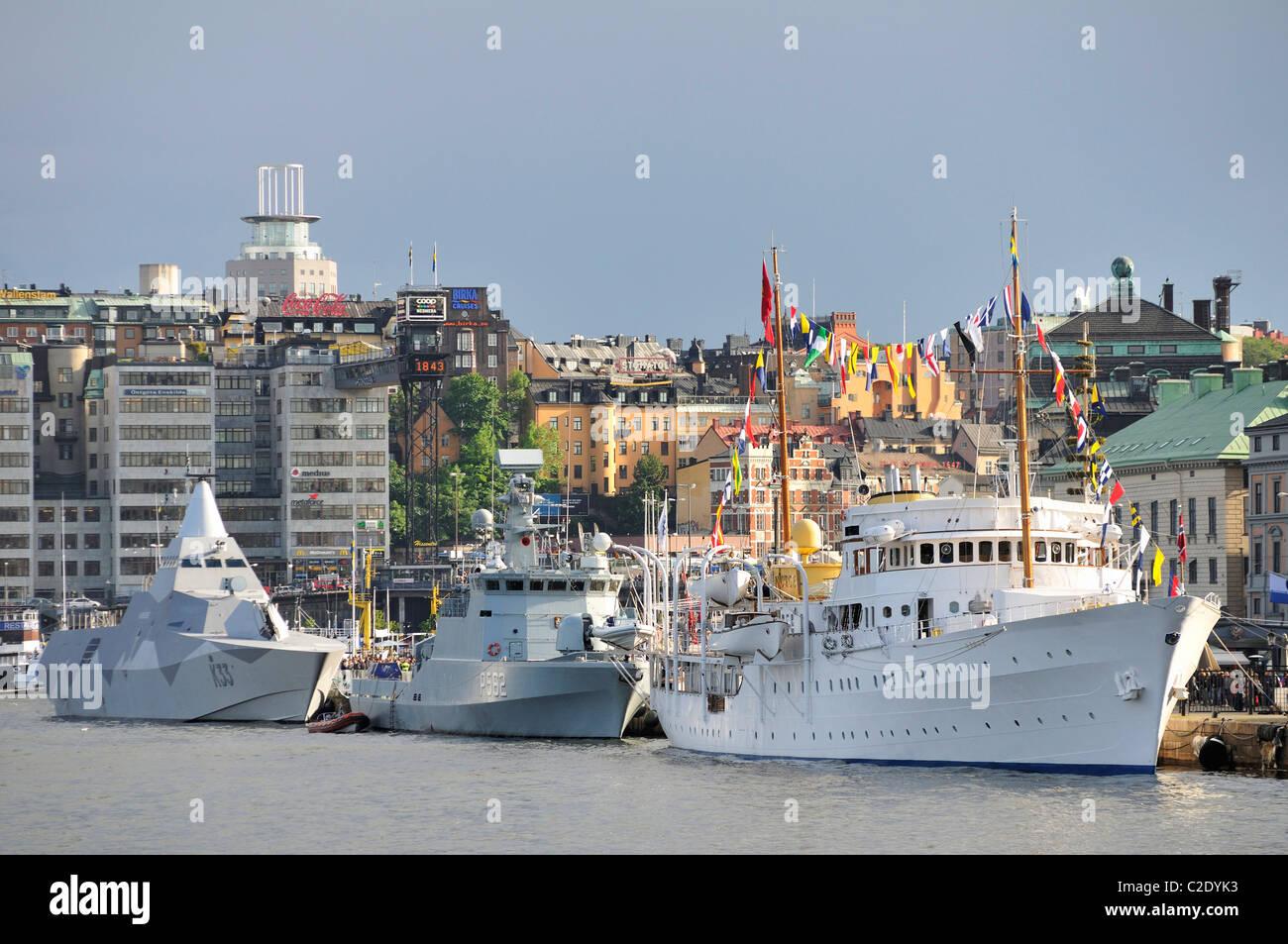 Schiffe der schwedischen Marine im Hafen von Stockholm, Schweden Stockbild