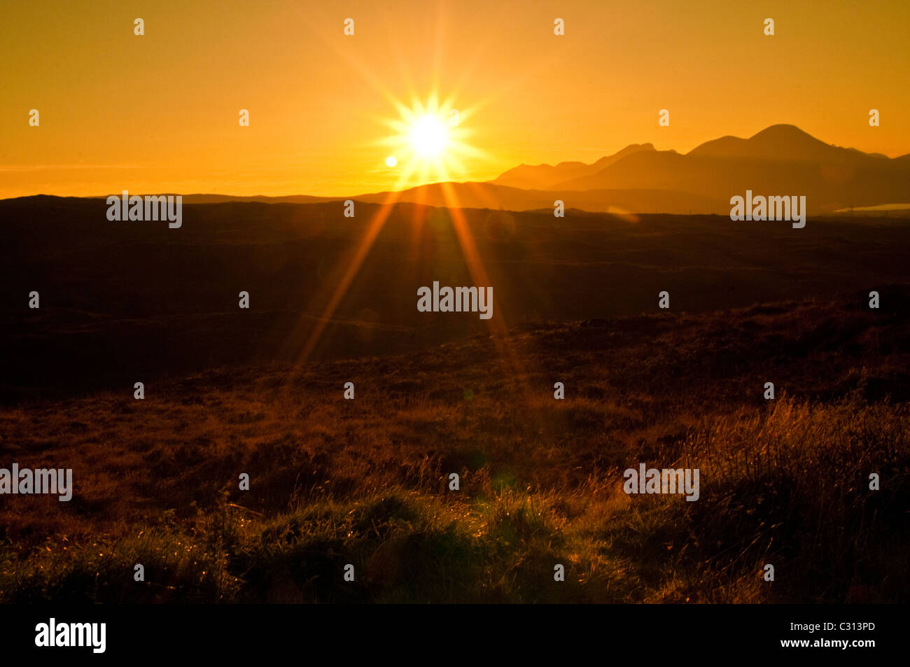 Sonnenuntergang auf Isle of Sky, Schottland Stockbild