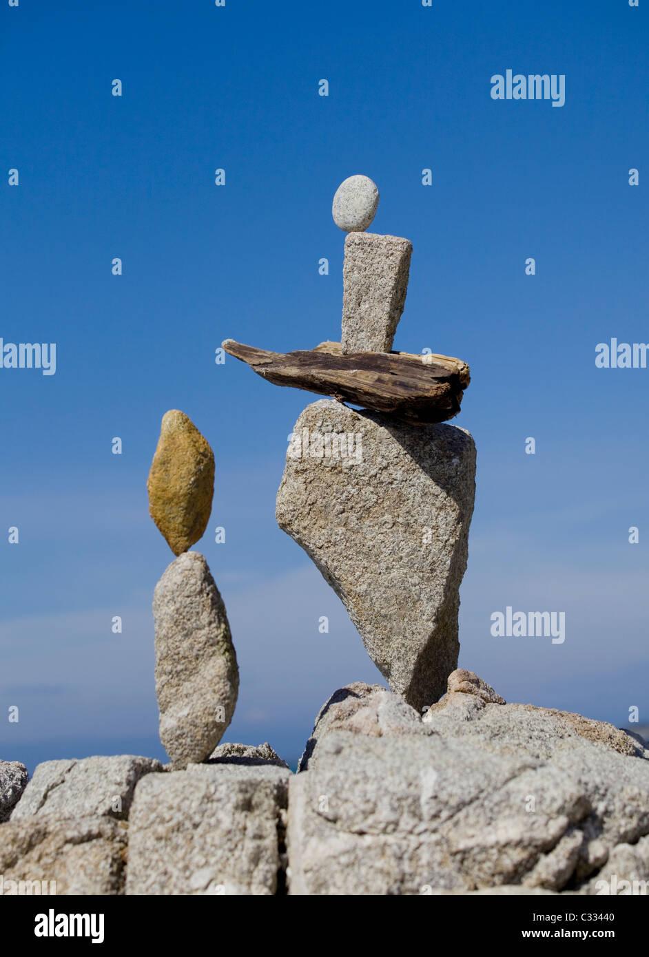 Rock, ausgleichend - fein ausgewogene und kreative Stein stapeln Stockbild