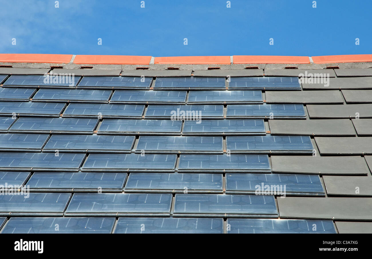 roofing tile stockfotos roofing tile bilder alamy. Black Bedroom Furniture Sets. Home Design Ideas