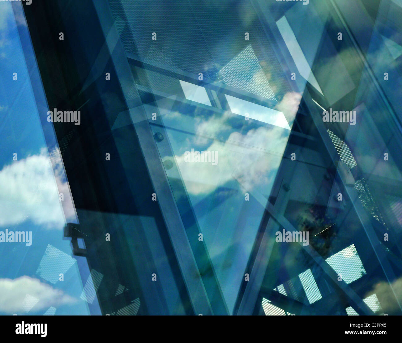 Abstrakte reflektierenden architektonische Komposition. Stockbild