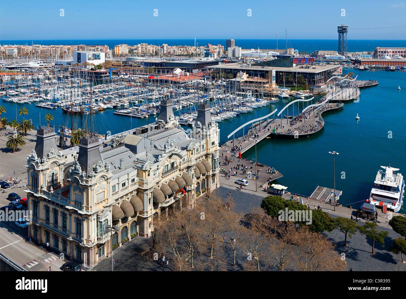 Ein Blick auf Barcelona Hafen und die Rambla del mar Stockbild