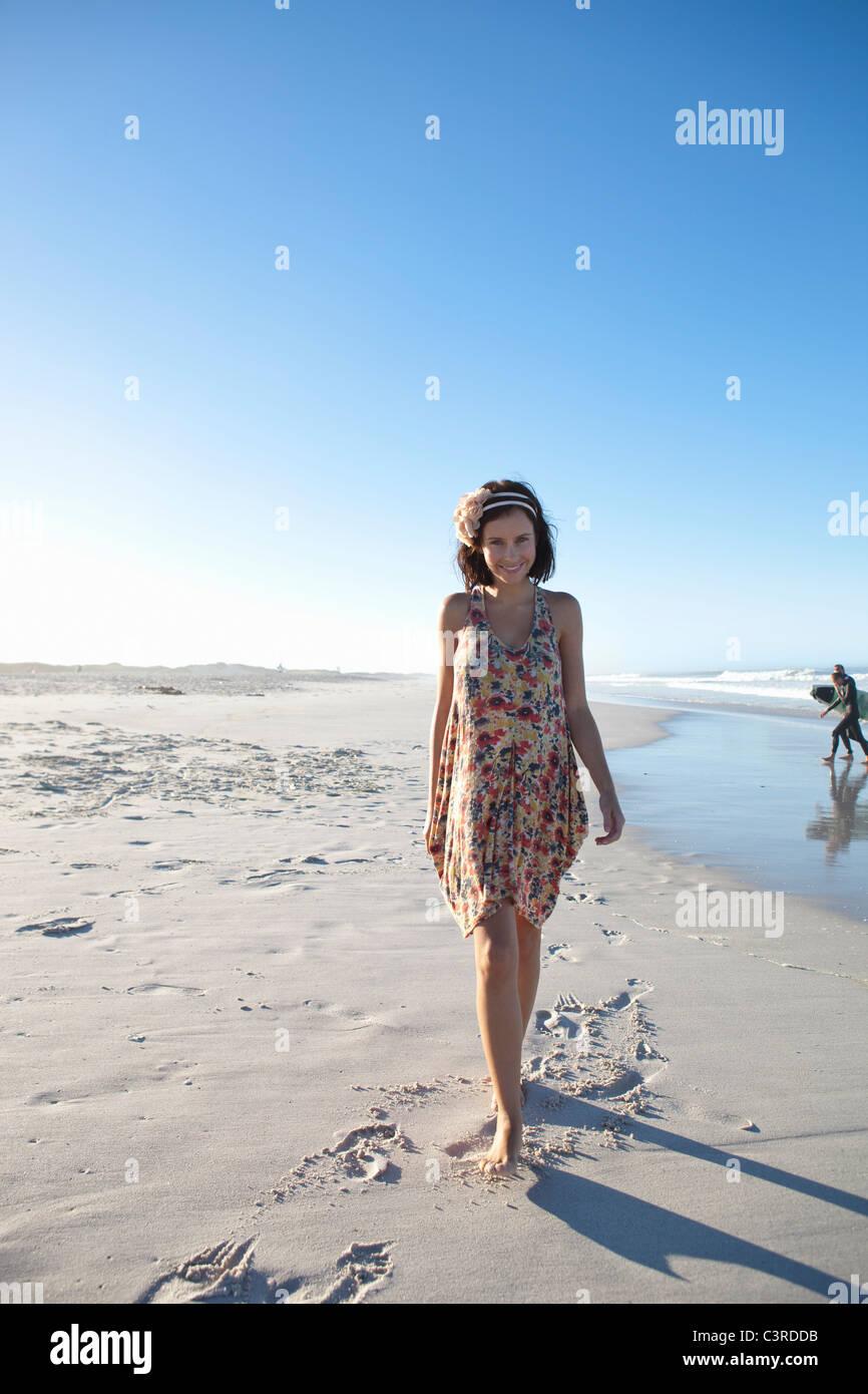 Mädchen am strand flirten