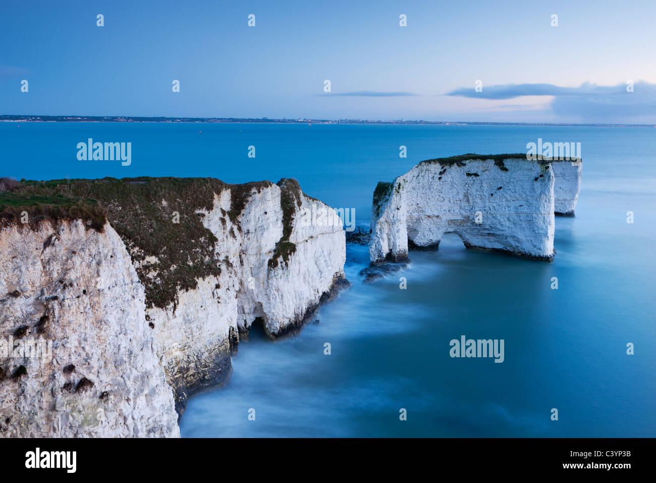 Old Harry Rocks Handfast Zeitpunkt sind der Beginn der Jurassic Coast World Heritage Site, Dorset, England. Stockbild