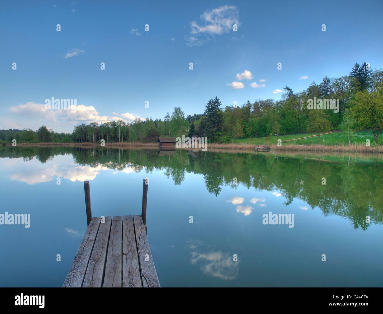 Blau, Feder, Himmel, Idylle, Steg, See, Holz, Wald, Wasser, Wolken, Kanton Zürich, Schweiz, Husemersee, See, Stockbild