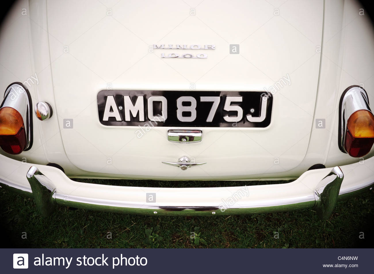 Die Rückseite eines Morris Minor 1000 Autos. Stockbild