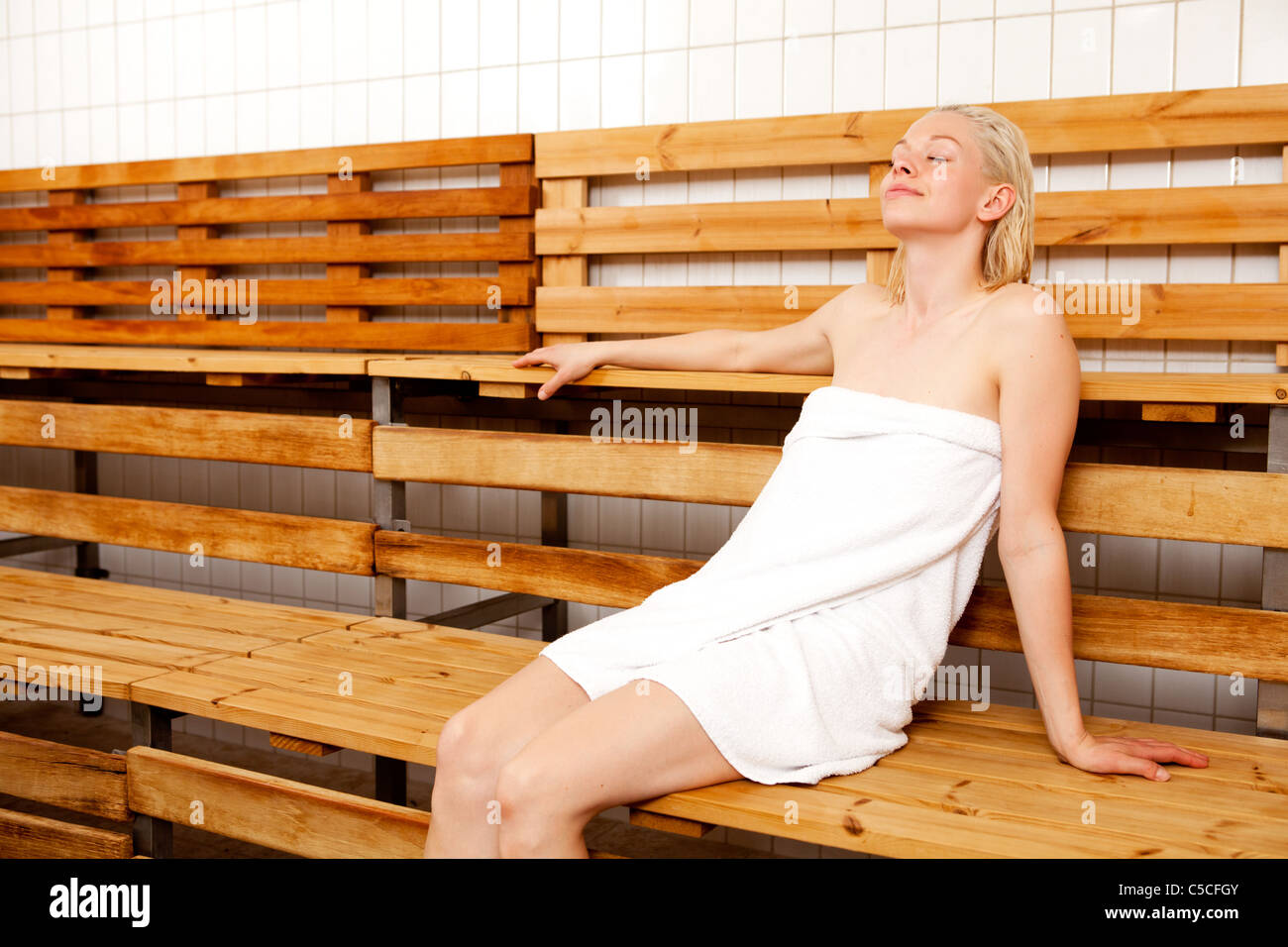 sauna bath stockfotos sauna bath bilder alamy. Black Bedroom Furniture Sets. Home Design Ideas