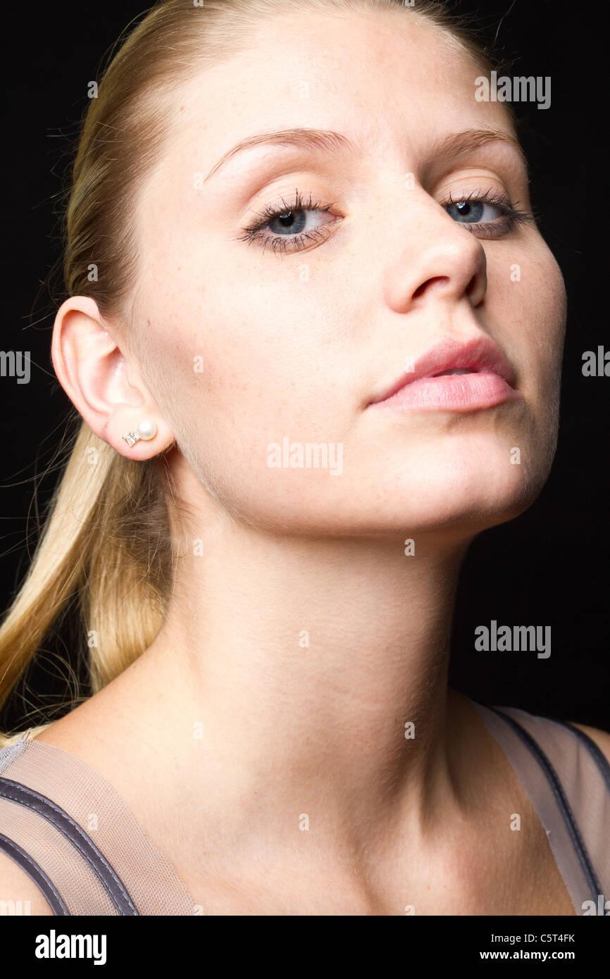 Porträt der jungen Frau, Nahaufnahme Stockbild