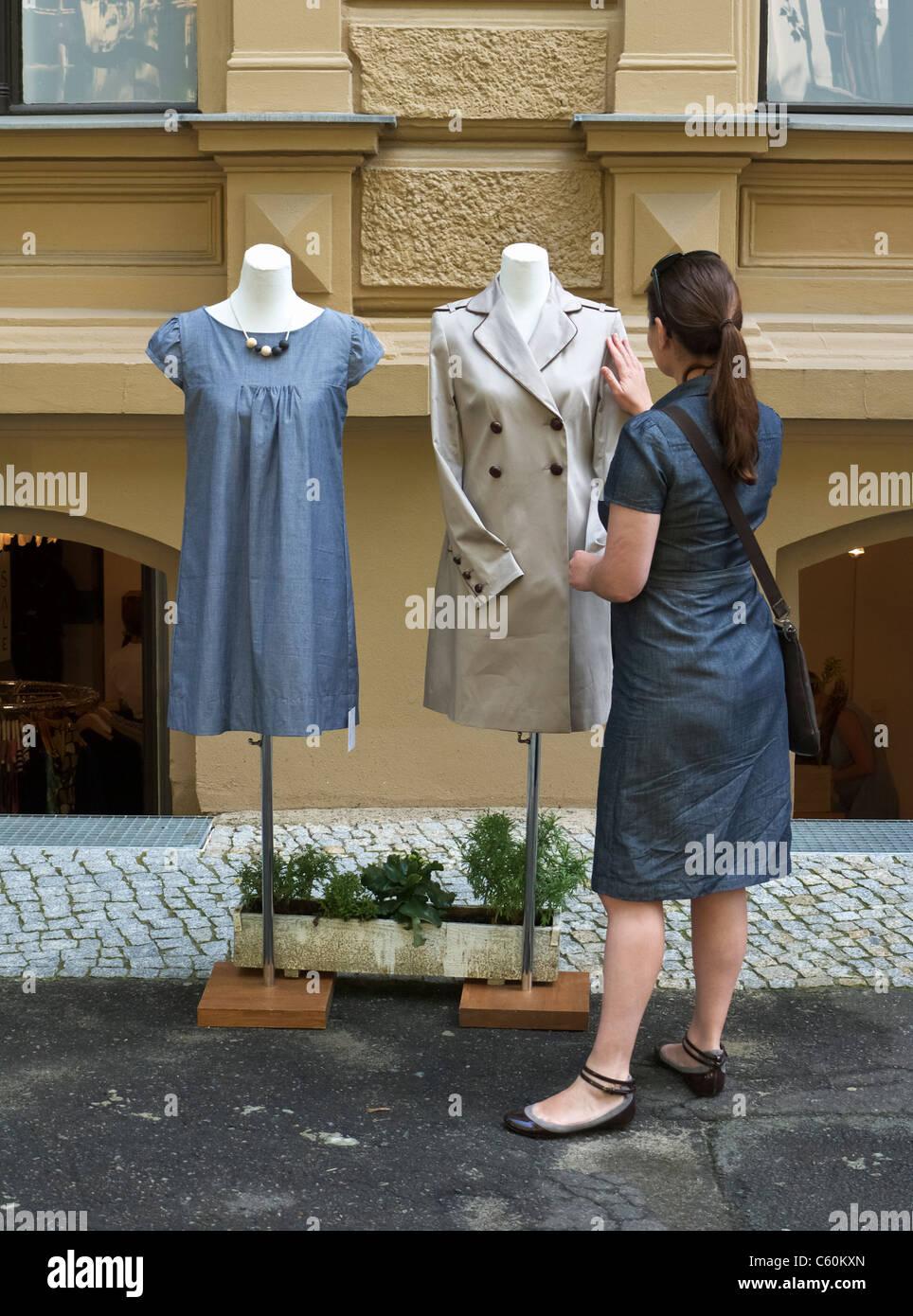 Kleine unabhängige Boutique in Prenzlauer Berg in Berlin Deutschland Stockbild