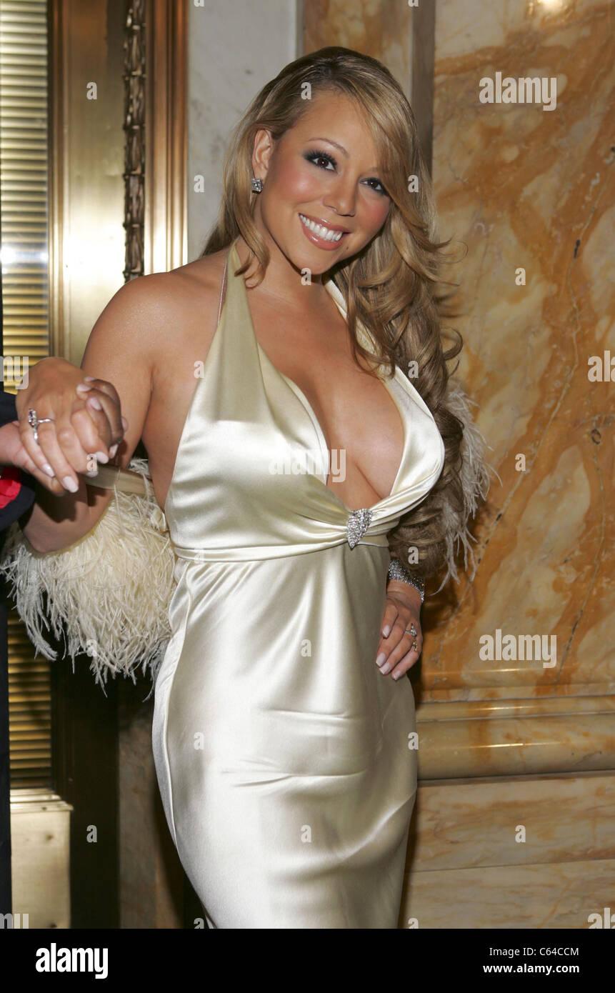 Mariah Carey im Ankunftsbereich für die Emanzipation von Mimi Release Party, Restaurant Cipriani, New York, Stockbild