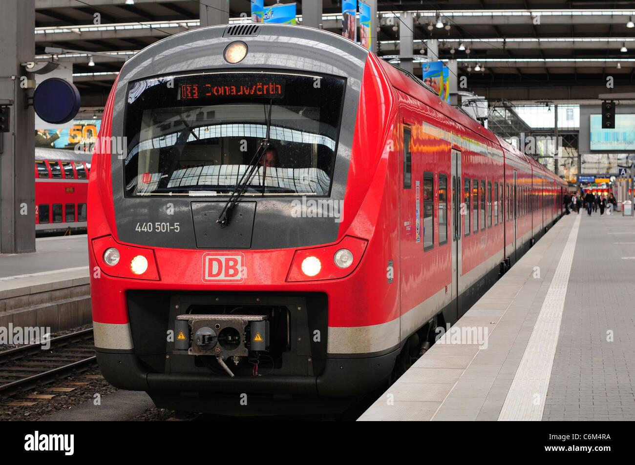 Deutsche Bahn Zug am München Hauptbahnhof Bahnhof, München Stockbild