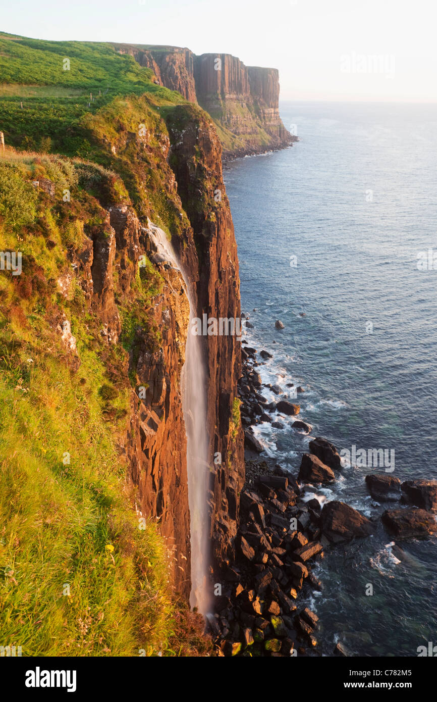 Schottland, Inneren Hebriden, Isle Of Skye, Mealt Falls und Kilt Rock Stockbild