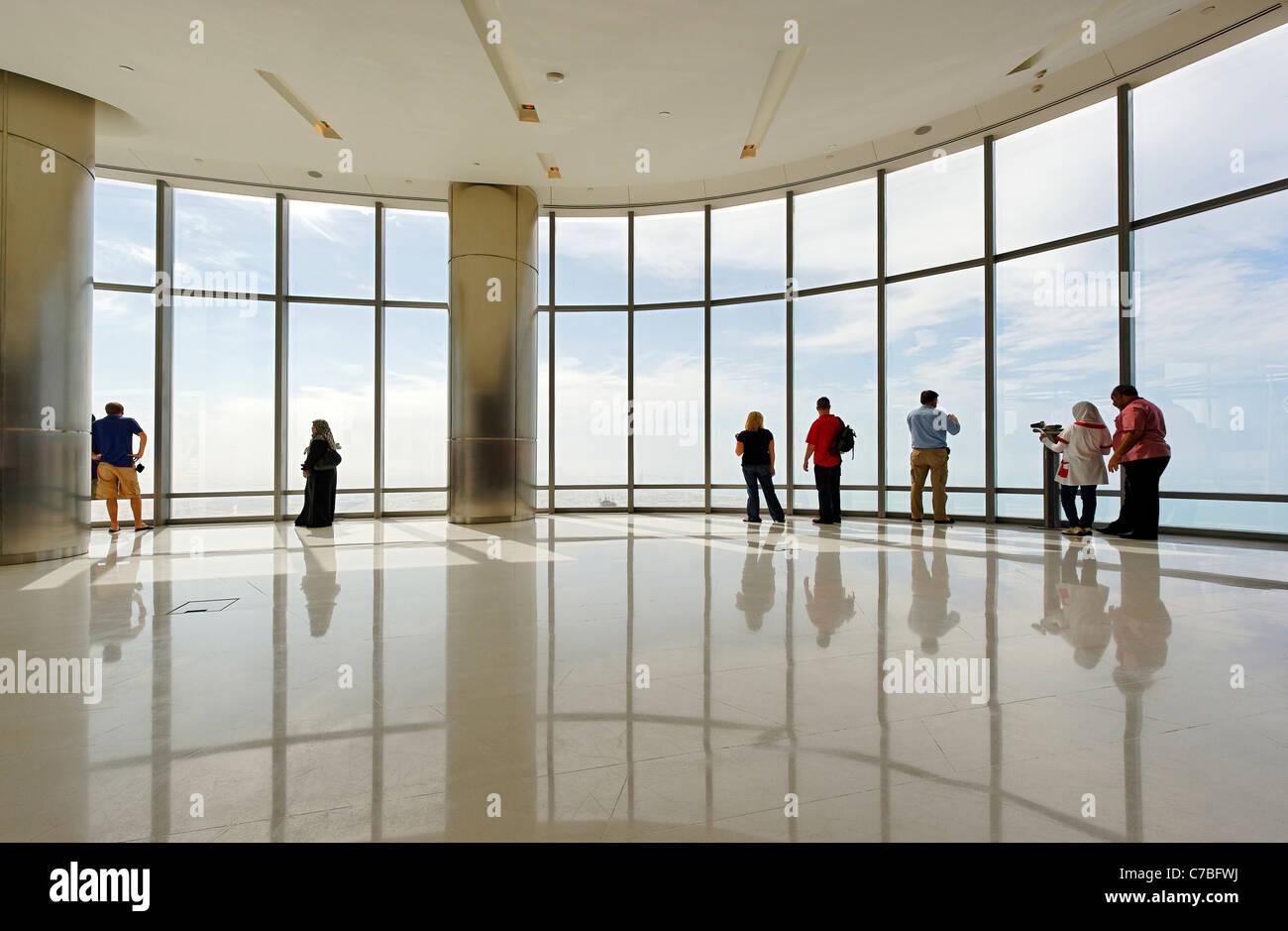 Die höchsten Beobachtung deck in der Welt, an der Oberseite, BURJ KHALIFA, dem höchsten Turm der Welt, Dubai, Vereinigte Stockfoto