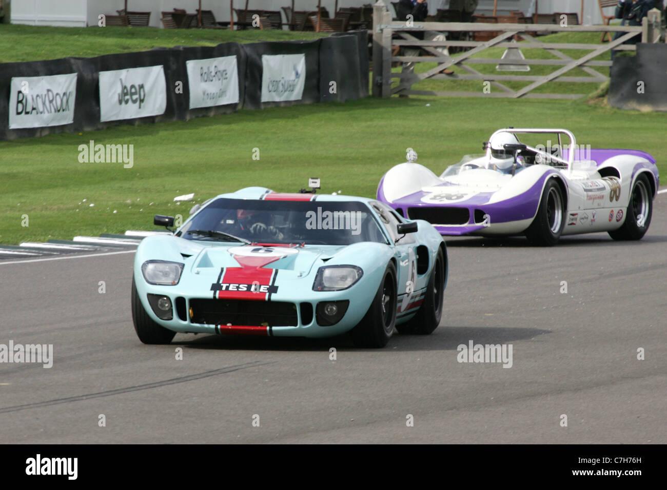 Historischer Motorsport bei dem Goodwood Revival, West Sussex, UK. Stockbild