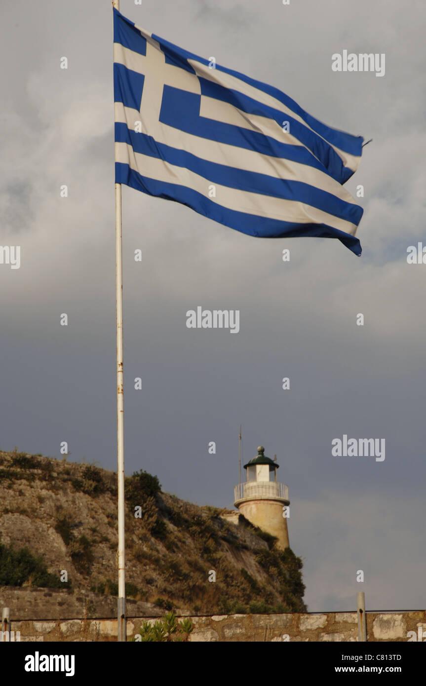 Griechenland-Fähnchen auf der alten venezianischen Festung. Corfu. Ionischen Inseln. Griechenland. Stockbild