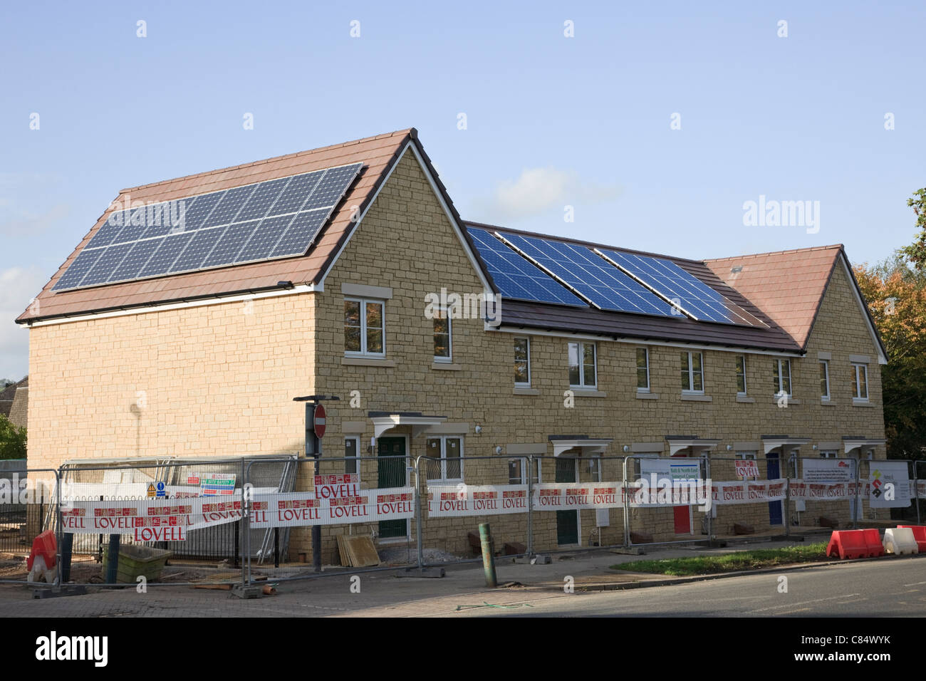 Sustainable housing stockfotos sustainable housing bilder alamy - Architektonische hauser ...