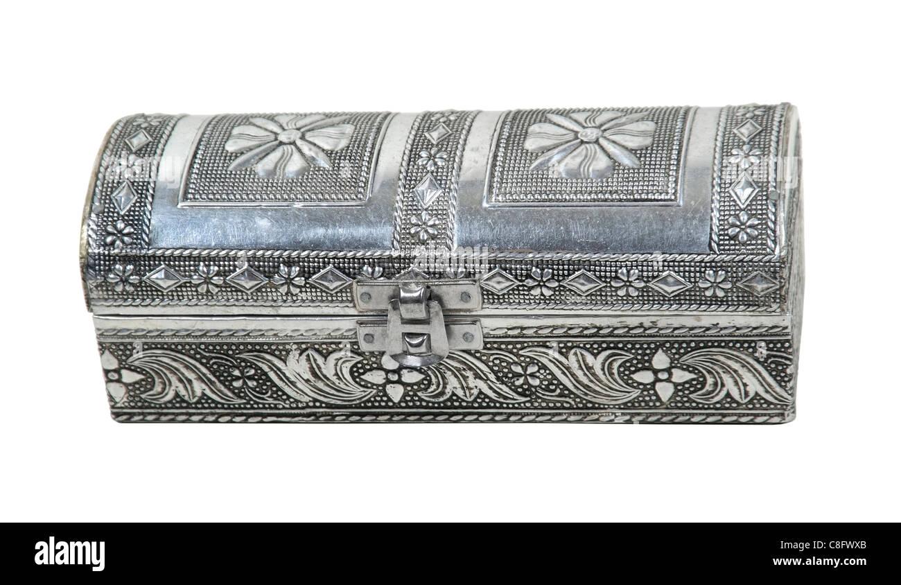 Komplizierte gehämmerte silberne Box zum Sonderposten - Pfad enthalten speichern Stockbild