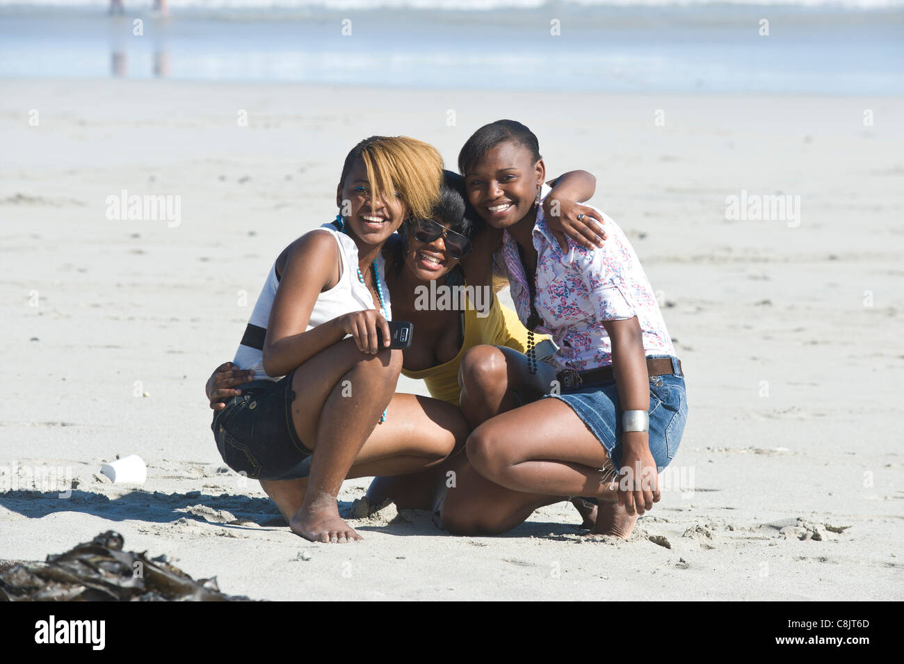 Teenager-Freunde am Grotto Beach Western Cape Südafrika Stockbild