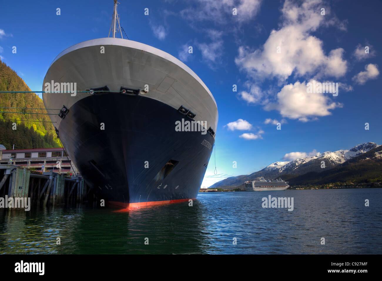 Nahaufnahme von Holland America Kreuzfahrtschiff Statendam Bogen an einem sonnigen Tag, südöstlichen Alaska, Stockbild