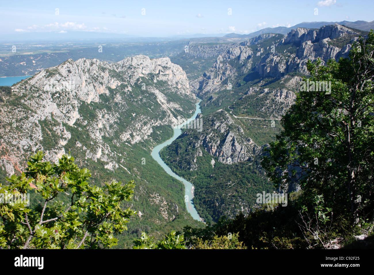 Die Verdon-Schlucht ist ein schöner Fluss-Schlucht, die ein beliebtes Touristenziel ist. Stockbild
