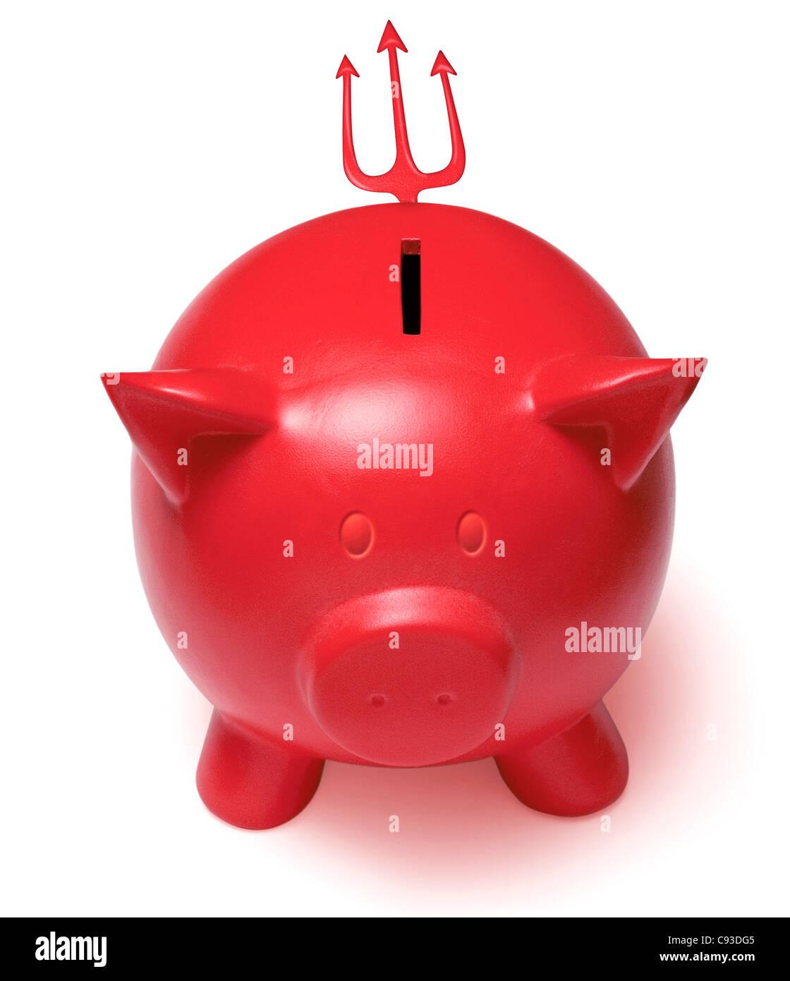 Rote Teufel Sparschwein mit gehörnten Ohren und einen Dreizack Schweif auf weißem Hintergrund. Ausschnitt Stockbild