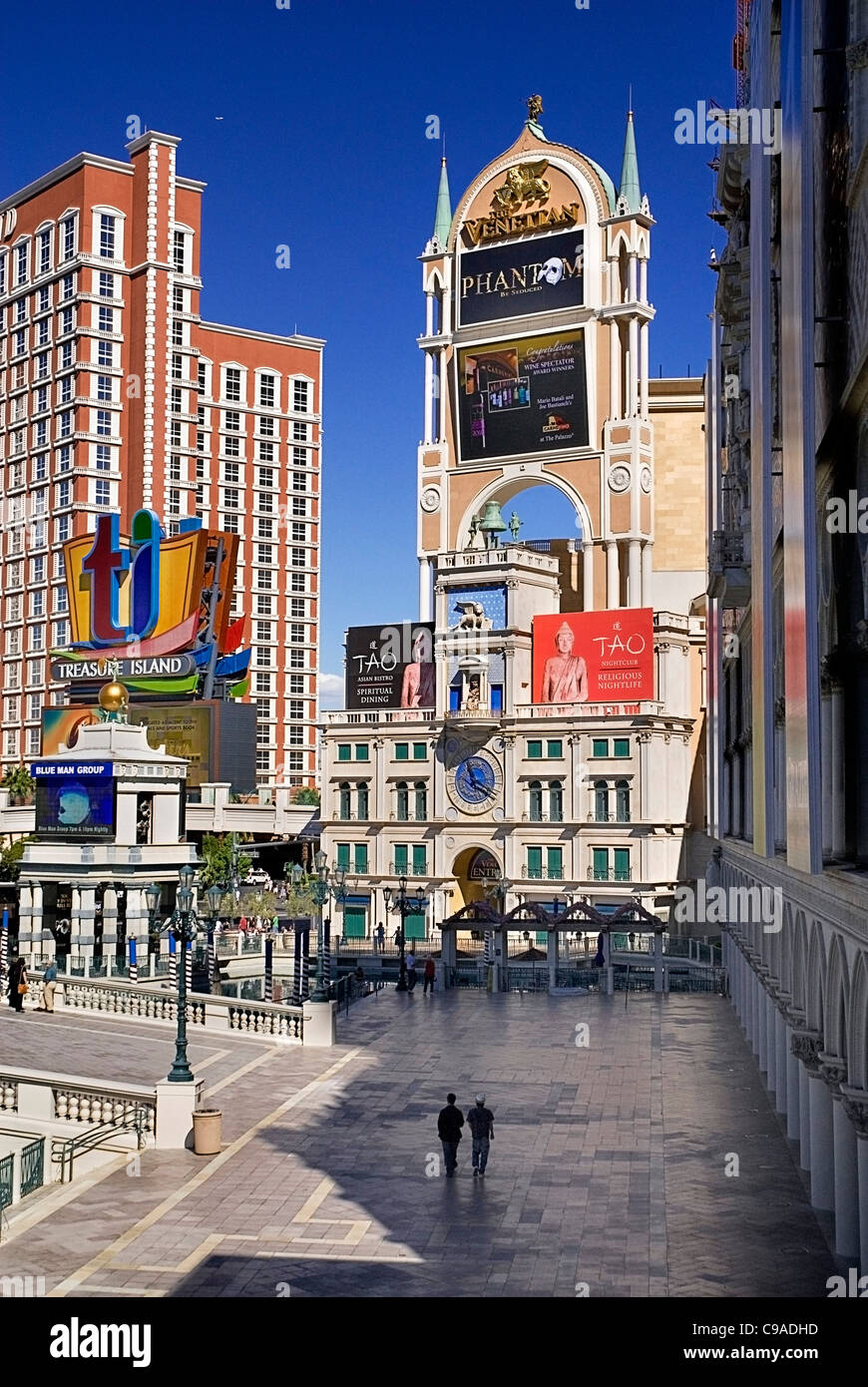 USA, Nevada, Las Vegas, The Strip, Eingang zum Venetian Hotel und Casino. Stockbild