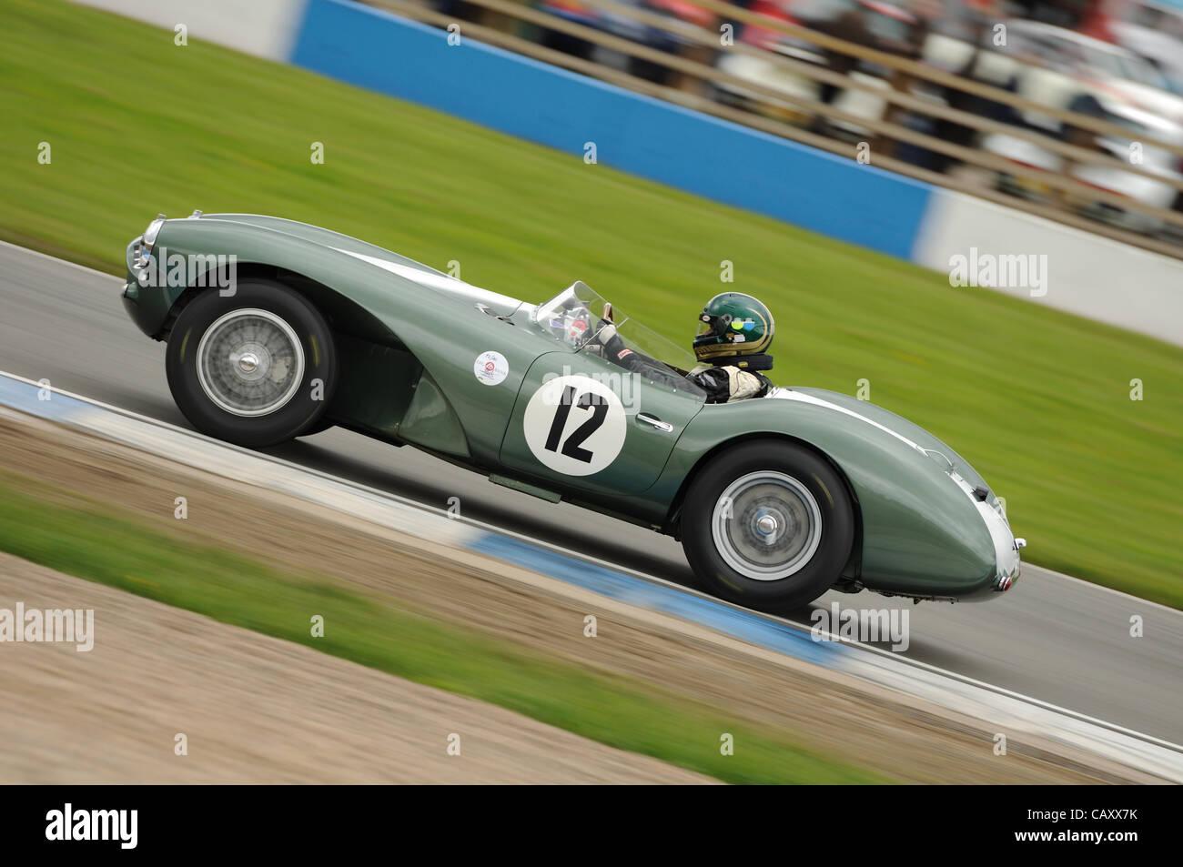 5. Mai 2012, Donington Park Racing Circuit, UK.  Die 1953 Aston Martin DB3S von Wolfgang Friedrichs und David Clark Stockbild