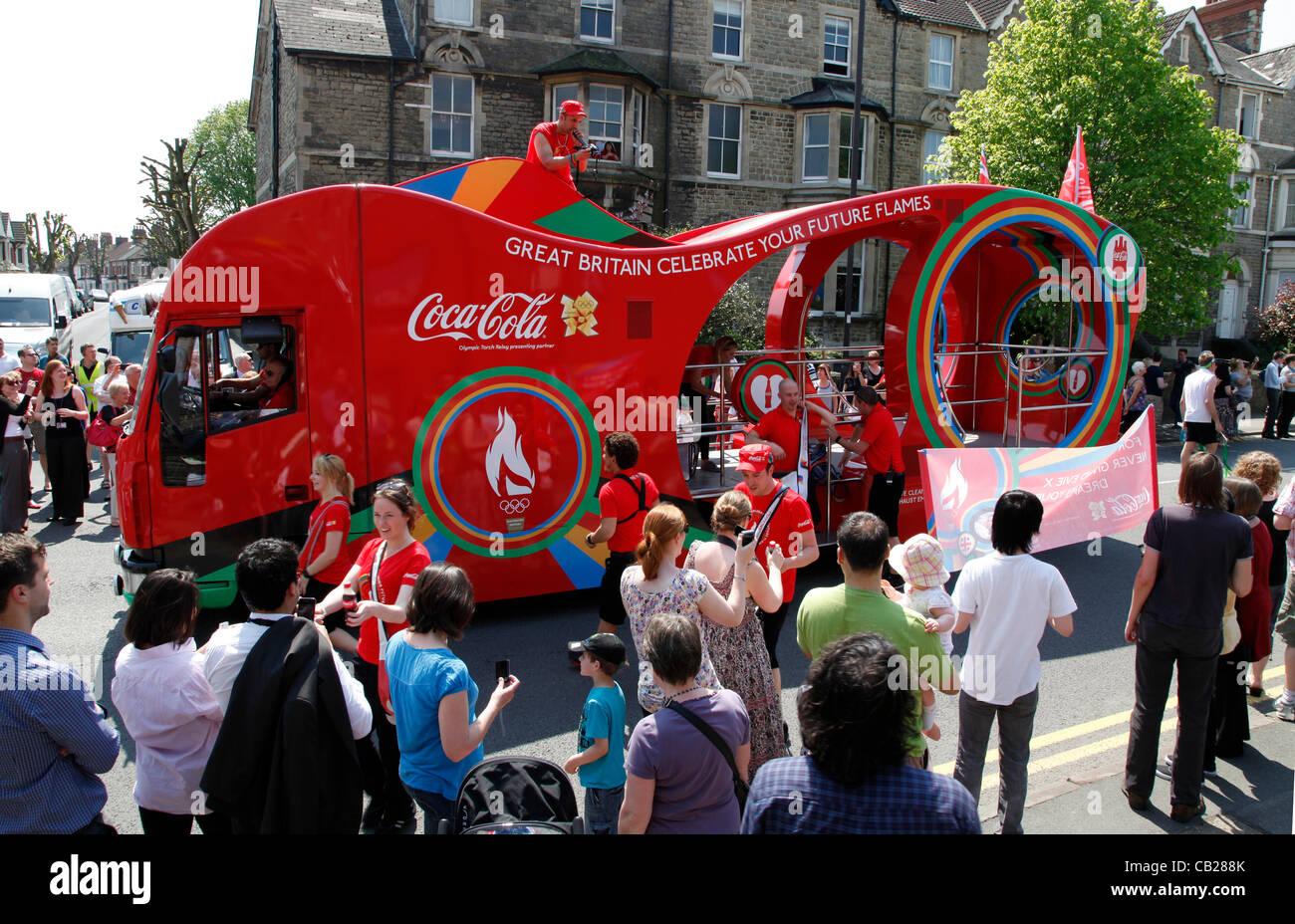 Mittwoch, 23. Mai 2012.  Swindon, Wiltshire, England, UK. Der Coca-Cola-Trainer signalisiert die bevorstehende Ankunft Stockbild