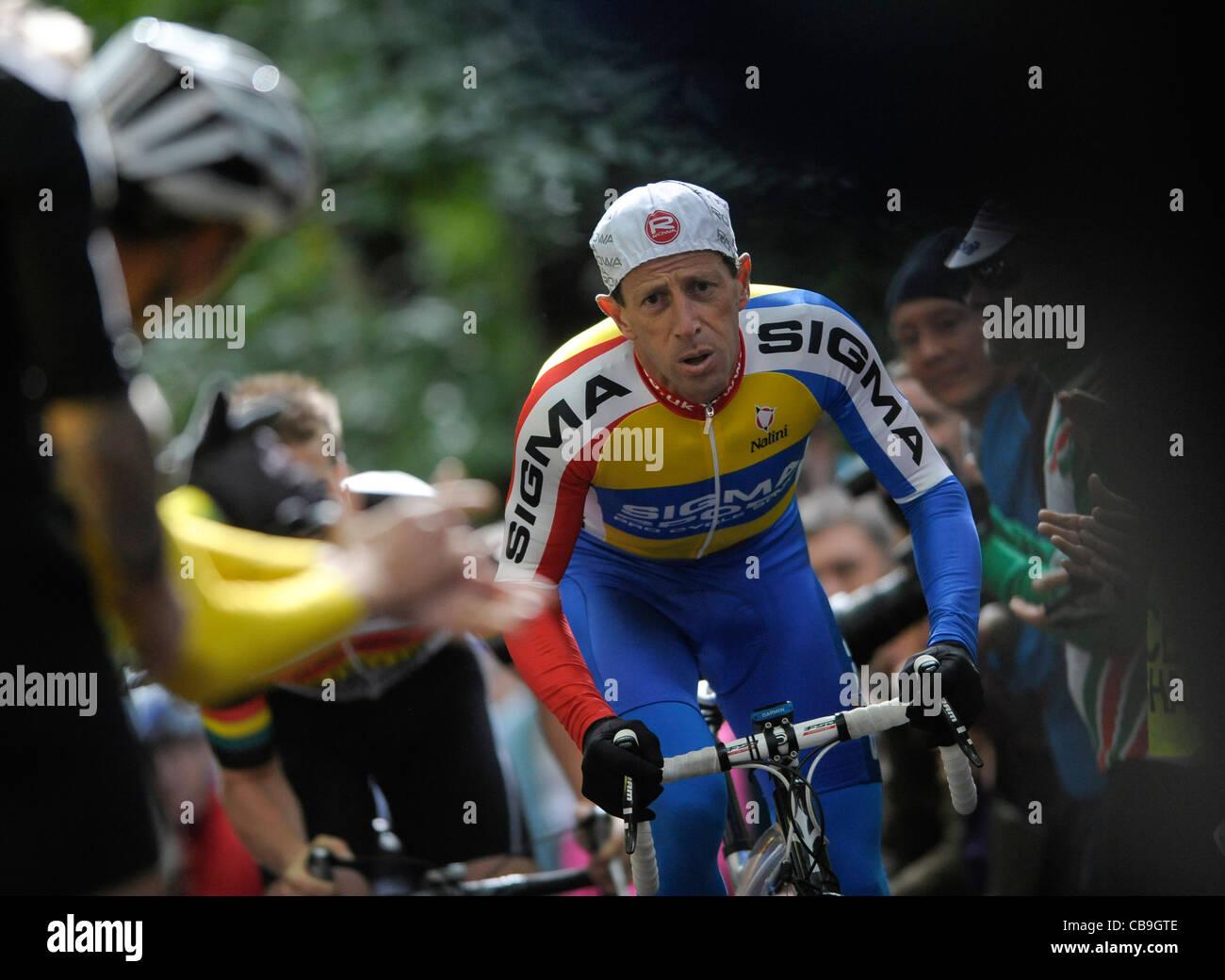 Chris Beales - Sigma Zyklen nimmt die Herausforderung an die Yorks Bergrennen gedacht, um die alten Radrennen der Stockbild