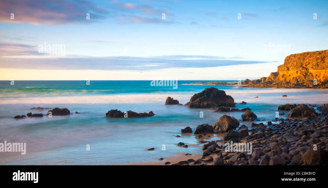 Abendlicht auf leeren Strand Fuerteventura Kanarische Inseln Spanien Stockbild