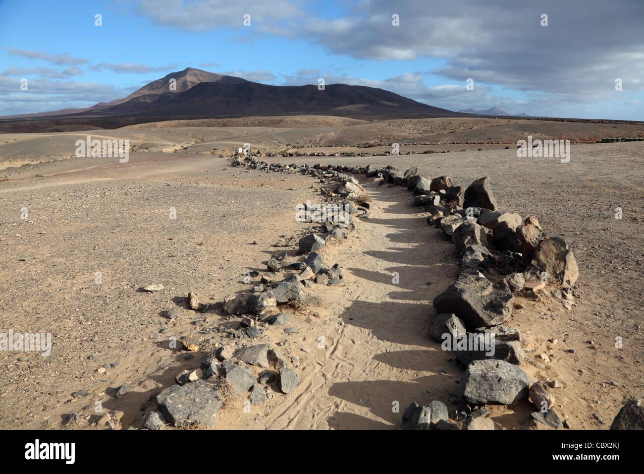 Wanderweg auf der Kanarischen Insel Lanzarote, Spanien Stockbild