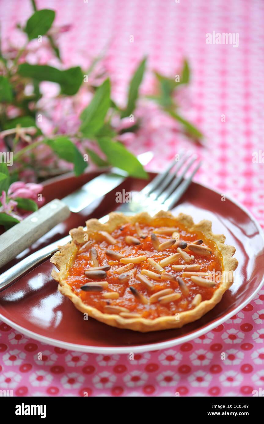Tomaten, Honig und Pinienkernen Törtchen Stockbild