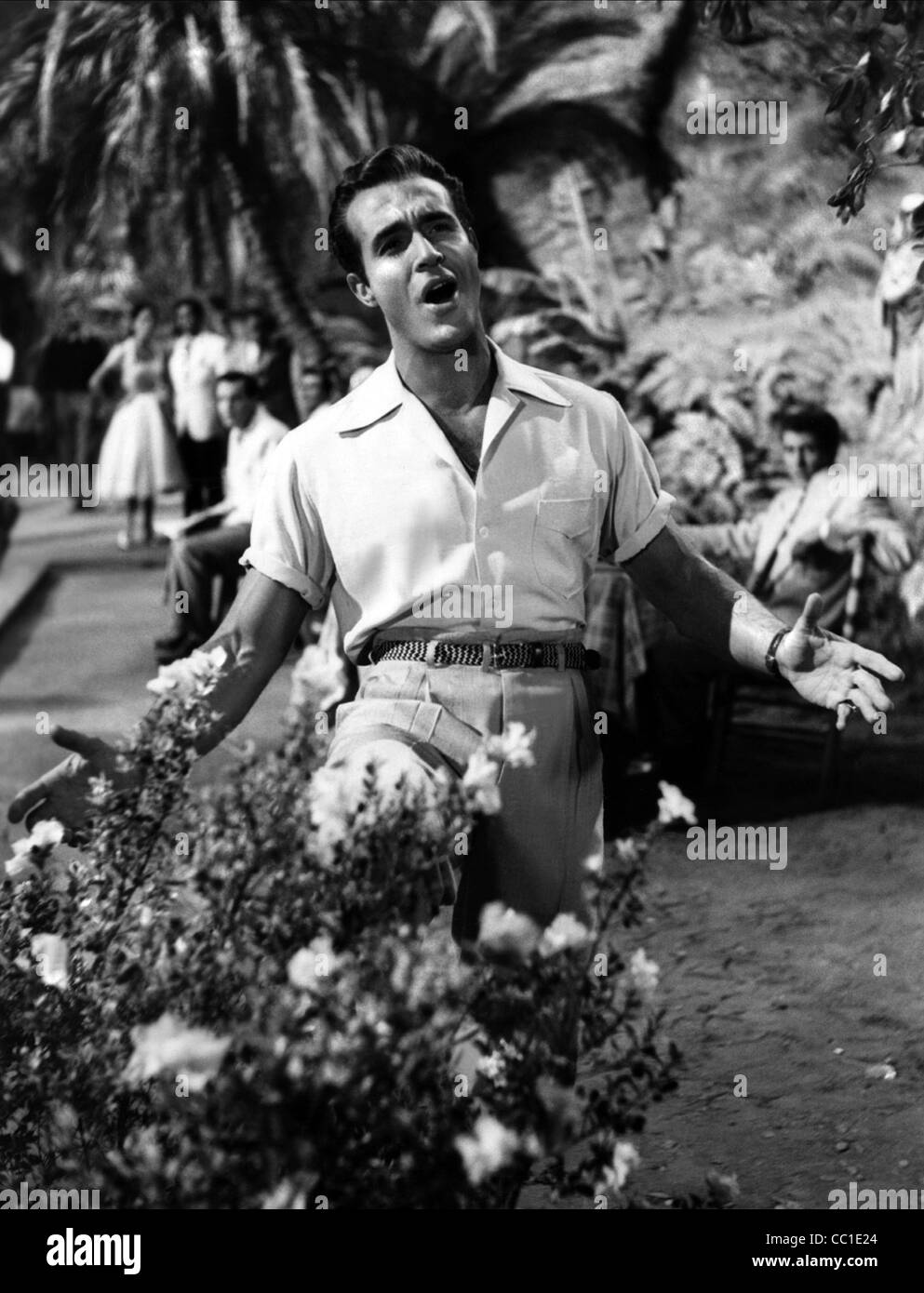 RICARDO MONTALBAN LATIN LOVERS (1953) Stockbild