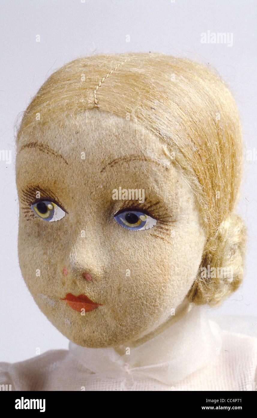 Sammeln Spielzeug des 20. Jahrhunderts. Puppe Puppenfabrik. 30 s. H. Cm. 44. Insbesondere Stockbild