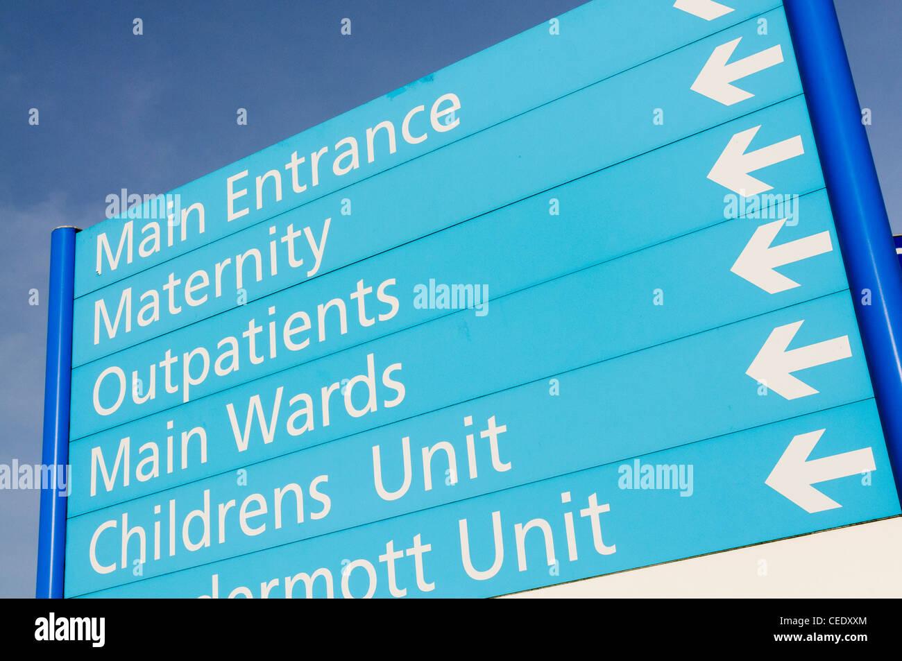 Krankenhaus-Zeichen für Mutterschaft, ambulant, Stationen und Kinder Einheit Stockbild