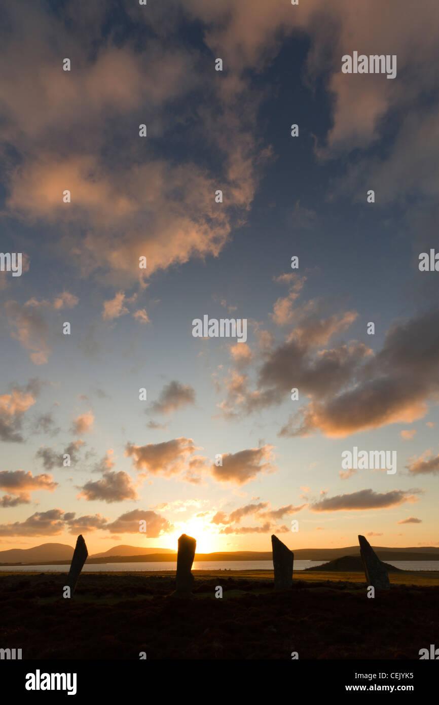 Ring von Brodgar Steinkreis bei Sonnenuntergang, Orkney Stockbild