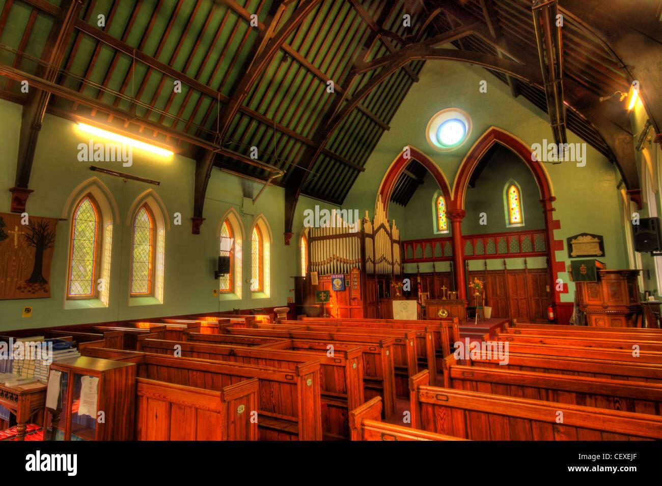Laden Sie dieses Alamy Stockfoto Innenministerium der Lymm Vereinigte Reformierte Kirche, Brookfield Straße und Davies Weg, Warrington Cheshire WA13 0QW - CEXEJF