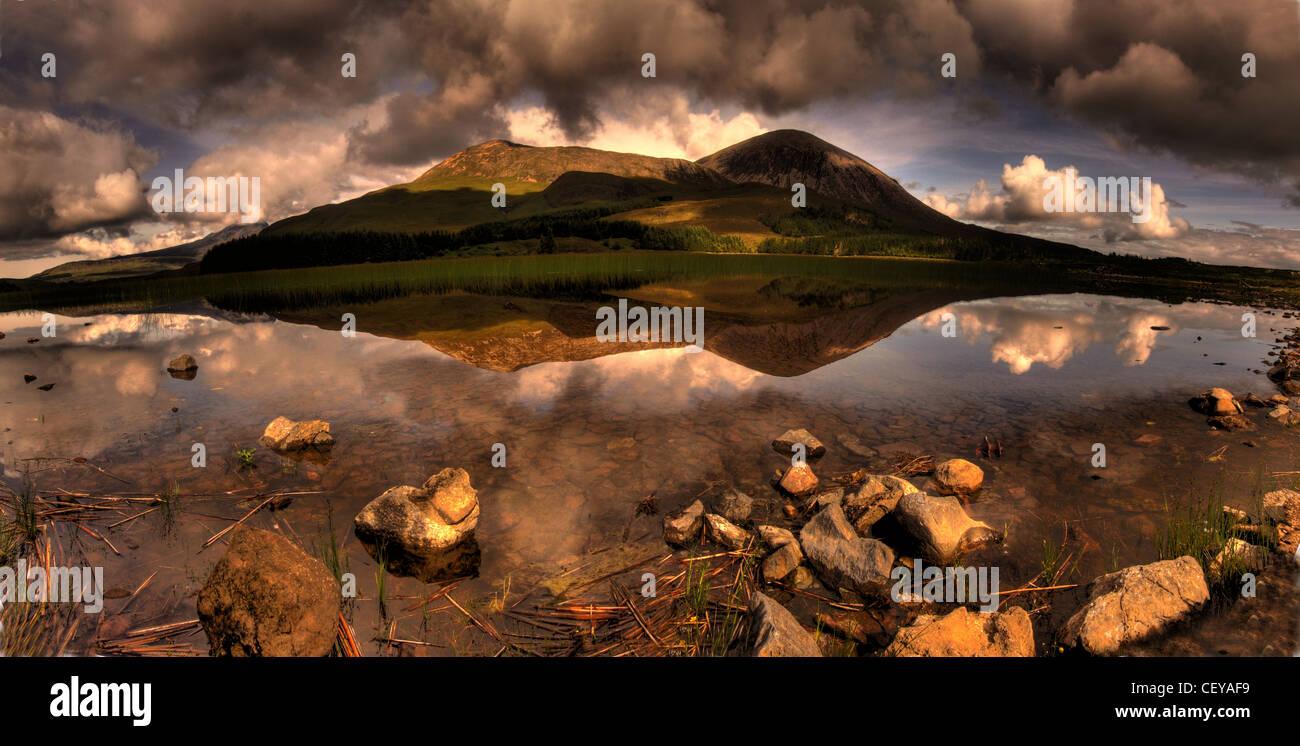 Laden Sie dieses Alamy Stockfoto Straße nach Elgol, Isle Of Skye, Schottland-Panorama-Landschaft von schottischen Inneren Hebriden - CEYAF9