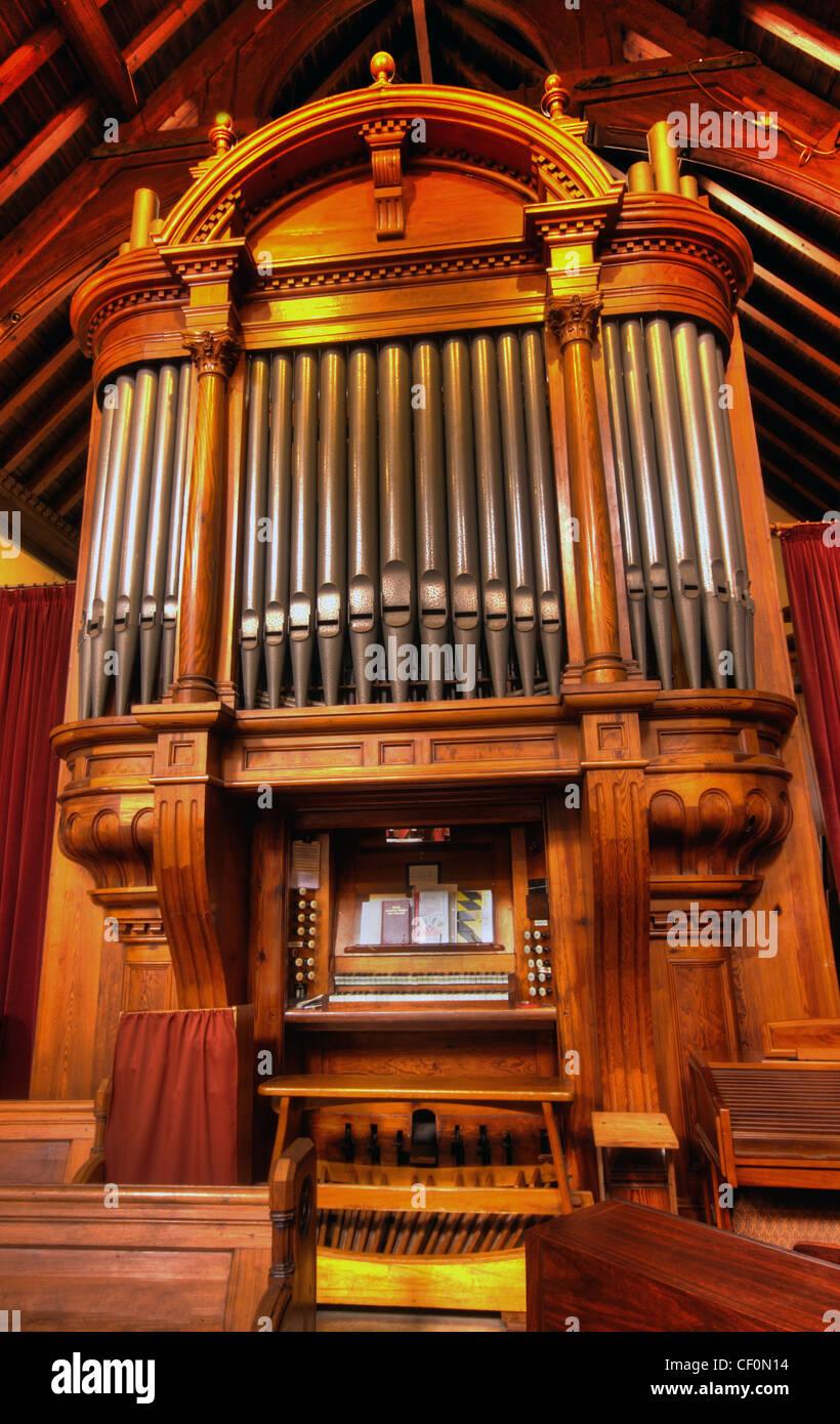 Laden Sie dieses Alamy Stockfoto Str. Wilfrids, Davenham Orgel, in der Nähe von Northwich, Cheshire UK - CF0N14