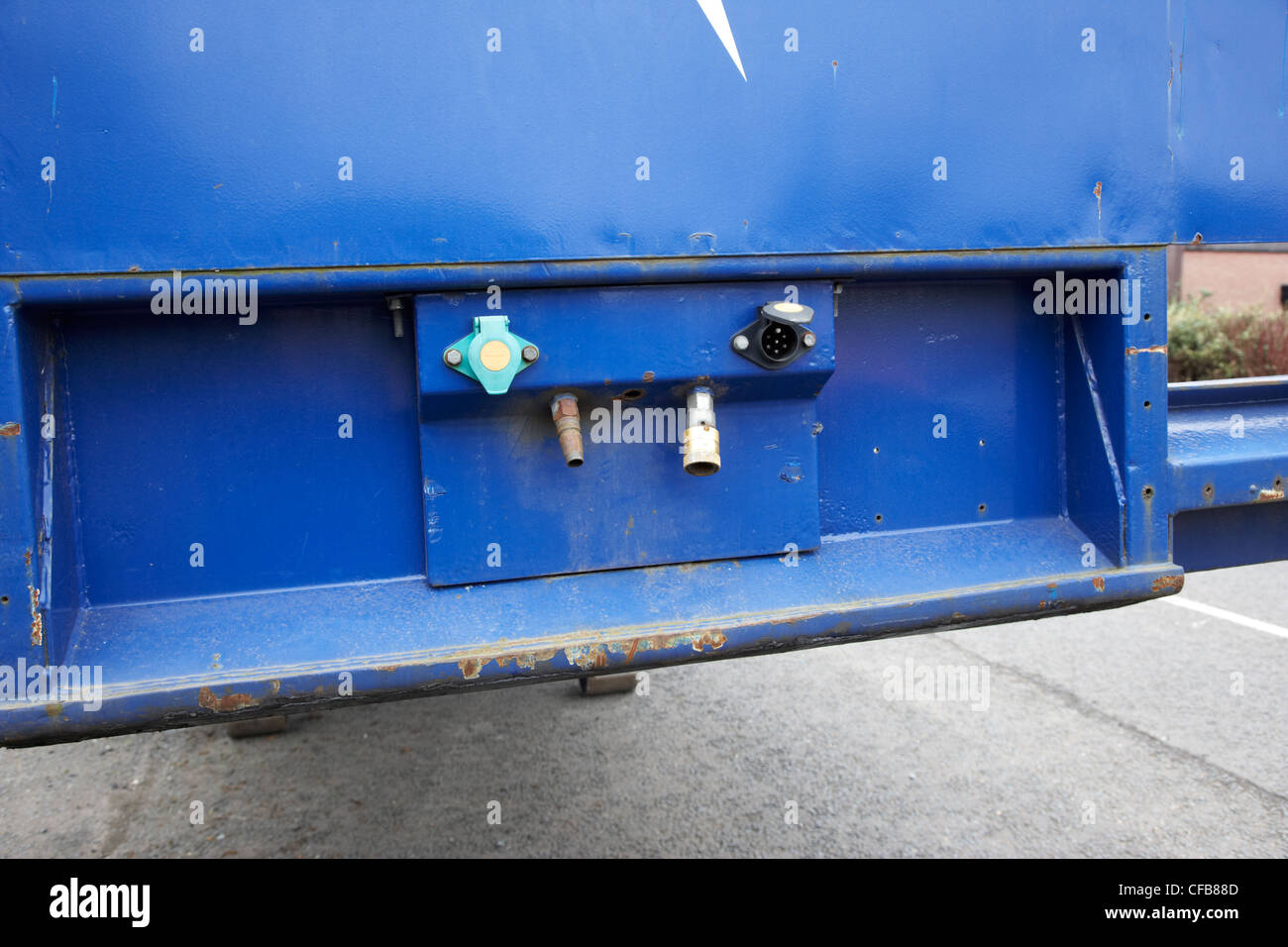 LKW Anhänger hydraulische und elektrische Anschlüsse Stockbild