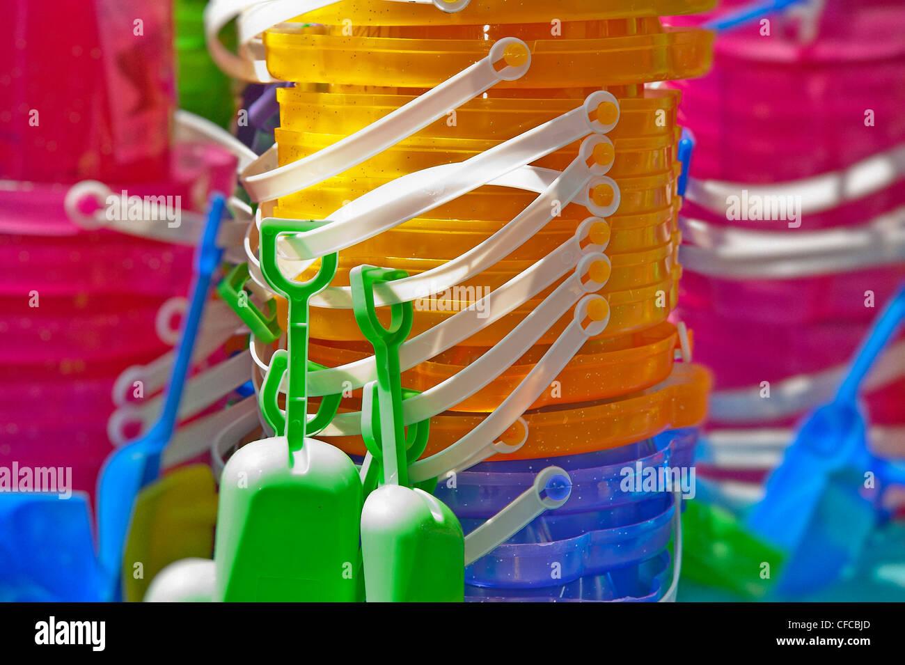 Kinder Spielzeug Eimer und Schaufel. Stockbild