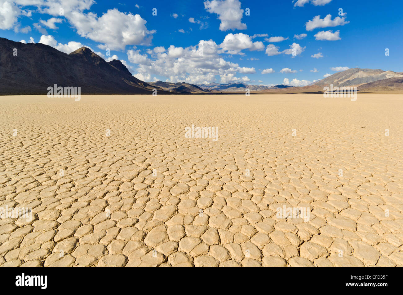 Die Tribüne im Tal Racetrack, Death Valley Nationalpark, Kalifornien, USA Stockbild