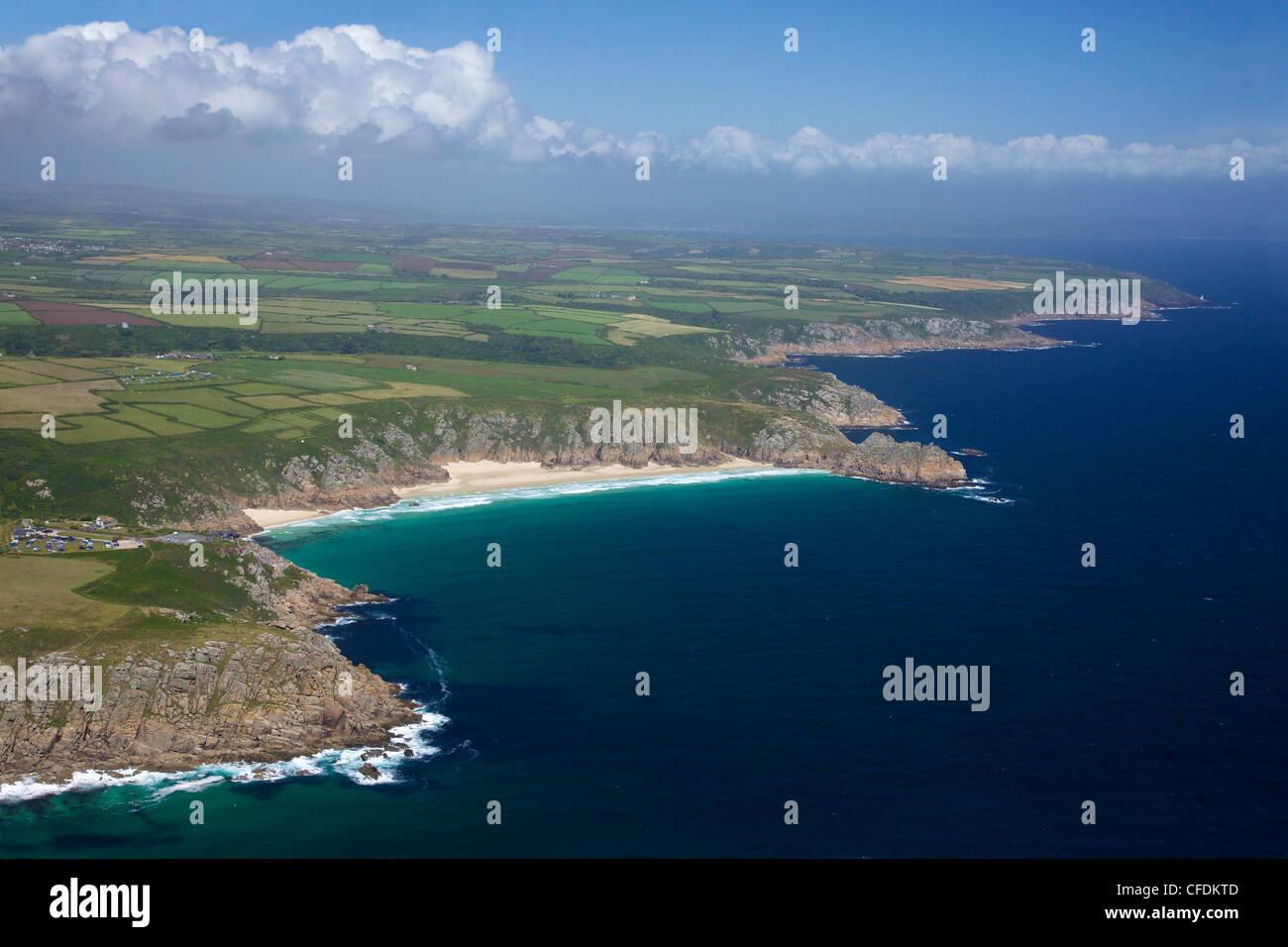 Luftaufnahme von Lands End Halbinsel, Treen Cliff, Logan Rock, West Penwith, Cornwall, England, UK Stockbild